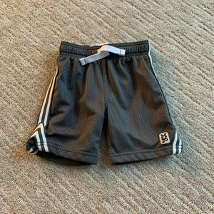 carter's mvp basketball shorts size 3T